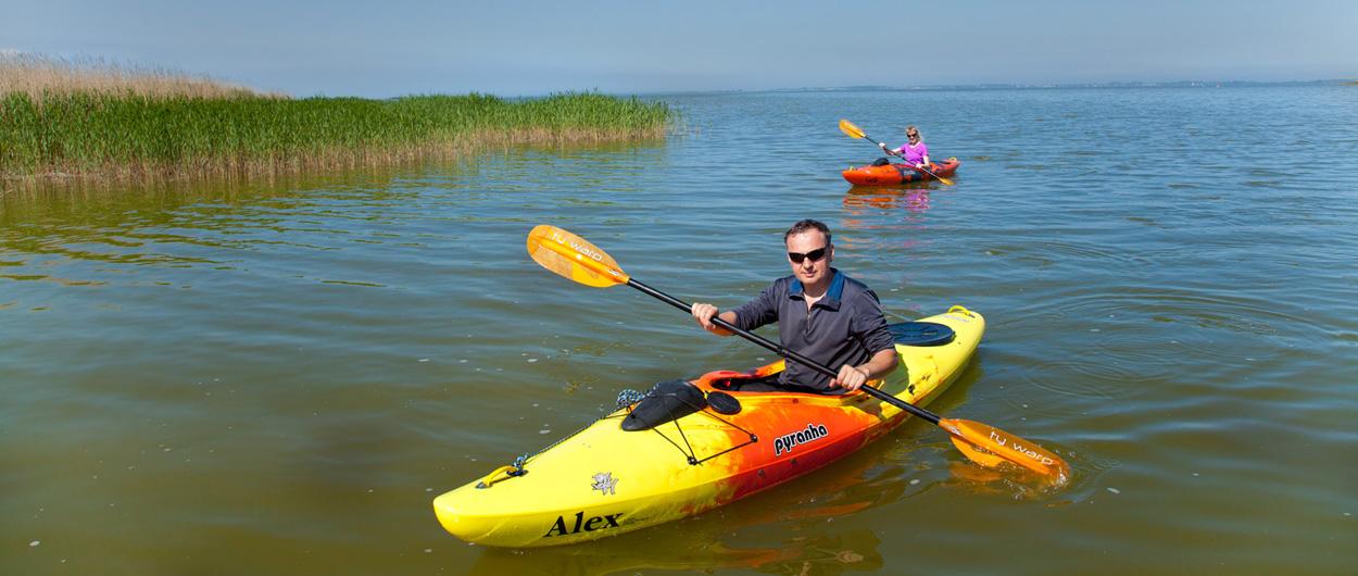 Kanu fahren auf dem Bodden, Ferienhäuser Boddenperlen, Aktiv im Urlaub